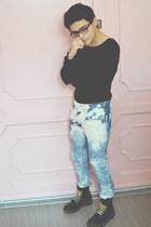 Dr Martens boots - bleached diy Levis jeans - Tommy Hilfiger sweater