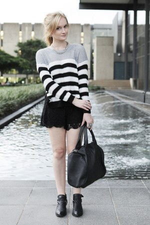 black sabo skirt shorts - white sabo skirt jumper