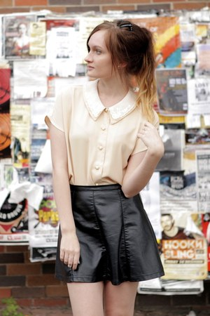 eggshell vintage top - black pleather Ally skirt