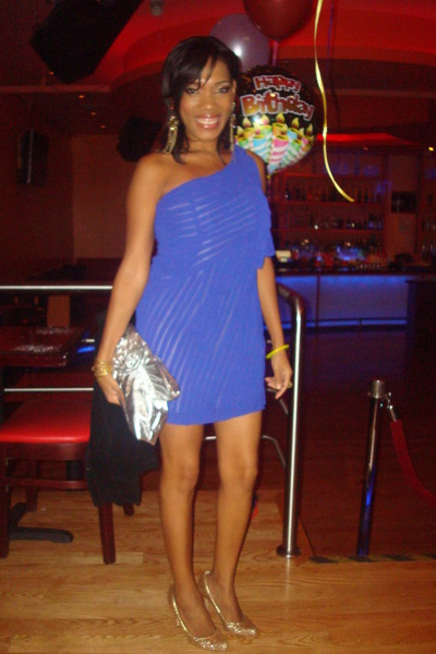 blue dresses gold steve madden shoes gold nine west