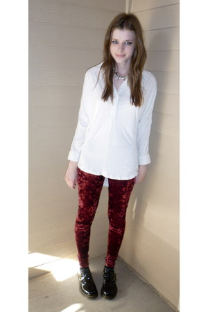 brick red velvet Idle Minds leggings - black Dr Martens shoes