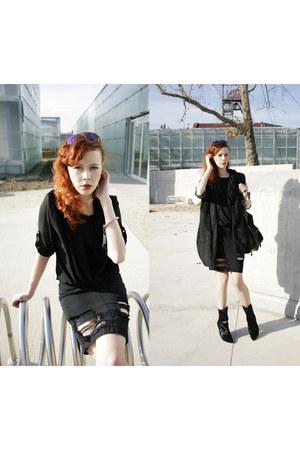 black H&M jacket - black Wrangler skirt - black H&M Trend vest