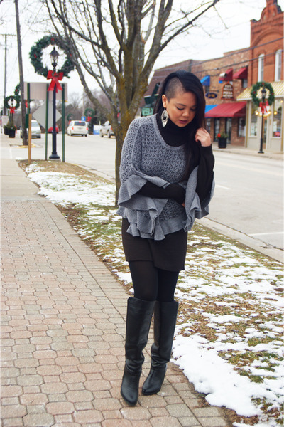 heather gray knit Candies cape