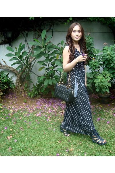 blue polka dots Topshop dress - black Chanel bag - blue coach wedges