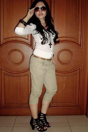 white banana republic blouse - brown Mango belt - Mossimo pants - black Forever2