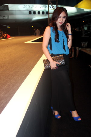 blue velvet Zara shoes - blue chiffon Gucci dress - black clutch Chanel bag