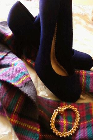 colorful plaid Forever 21 scarf - gold Charlotte Russe bracelet - Fioni pumps
