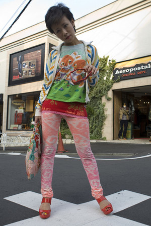 colourful vintage t-shirt - vintage Adidas jacket - satin bag