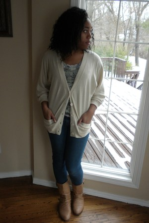 beige Forever 21 cardigan - tan leather GoJane boots - navy jeans