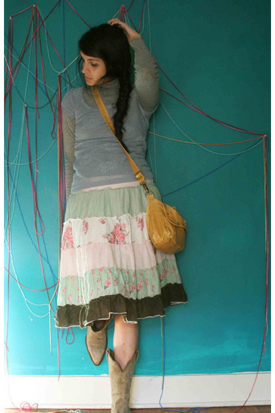 periwinkle knit morning thrift shirt - mustard leather bag morning thrift purse