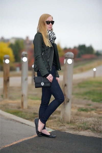 white cashmere black scarf - navy high rise Skinny jeans