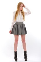 charcoal gray ankle alaia boots - heather gray leather Alice  Olivia skirt