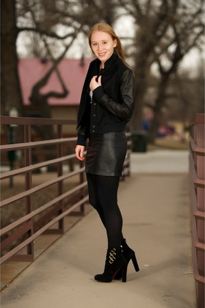 black suede Troop boots - black varsity Cambridge jacket
