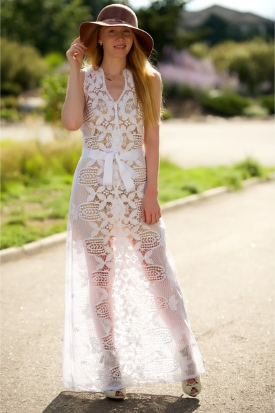 white crochet Miguelina dress - coral floppy Eugenia Kim hat
