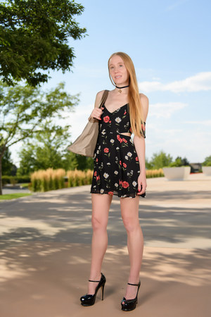 black floral Forever 21 dress - heather gray tote Erica Harel bag
