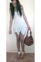white flowy American Apparel dress - brown tote Peacocks bag