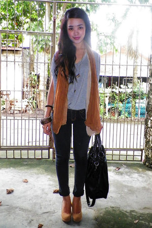 skinny jeans - faded brown scarf - bag - gray v-neck blouse - beige Velvet heels