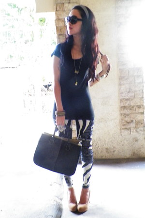 beige Velvet shoes - zebra print leggings - Hermes bag - black sunglasses