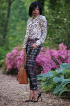 beige floral print Zara blouse - tawny Zara bag - black patterned Zara pants