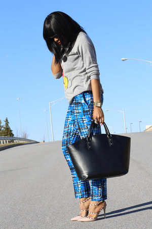 blue print Jcrew pants - gray graphic Forever21 sweater - black Zara bag