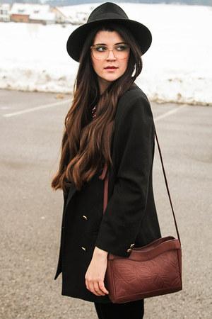 black Lierys hat - black vintage blazer - brick red Radley London bag