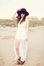 Ivory-dress-tawny-hat-dark-brown-heels