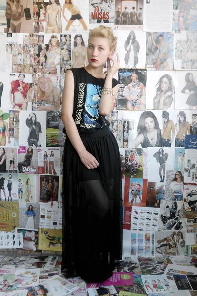 black skirt - black shoes - black shirt