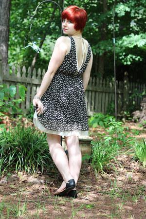 peach Forever 21 flats - black modcloth dress