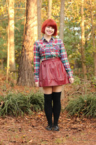 maroon leather Forever 21 skirt - green flannel Xhileration shirt