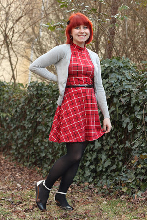 red mock neck plaid Forever 21 dress - black nylon Walmart tights