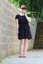 black bow print Cherokee dress - black cat eye sunglasses