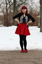 red velvet romwe skirt - black heart print Forever 21 tights