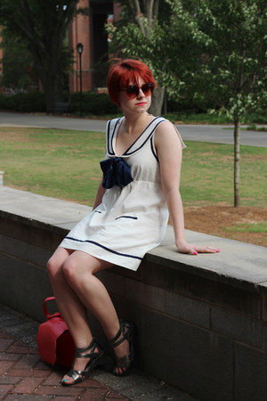white sailor linen Forever 21 dress - red scalloped PepaLoves bag