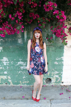 floral modcloth dress - purple floral vintage hat - owl modcloth bag