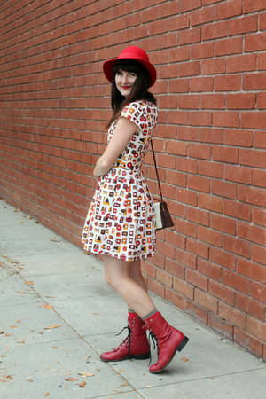 red vintage hat - ruby red vintage boots - camera modcloth dress