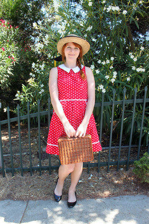 straw hat vintage hat - red polka dot modcloth dress - basket thrifted purse
