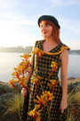 Modcloth-dress-vintage-hat-bait-heels
