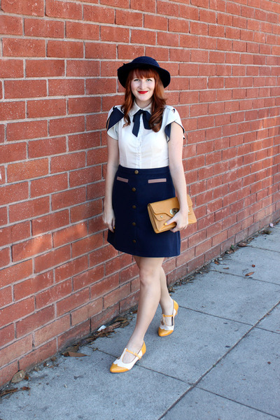 navy modcloth skirt - vintage hat - thrifted purse - BAIT heels