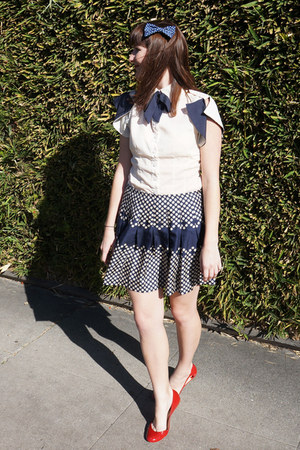 modcloth blouse - Barneys COOP flats - Sea skirt
