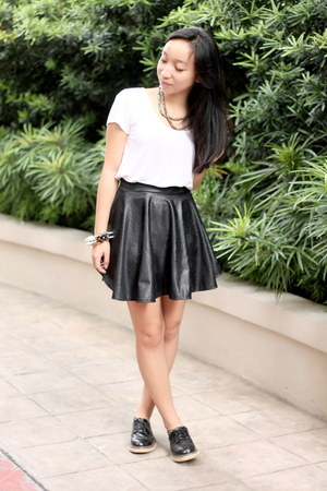 black leather skirt - black Primadonna boots - ivory Bayo shirt