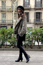 black ankle boots camila boots - dark khaki leopard print Zara jacket - black sk
