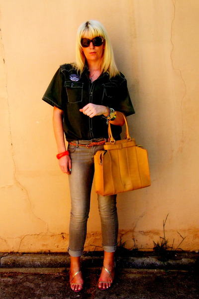 bronze Maria Lamanna bag - periwinkle Free2BU jeans - bronze D&G sunglasses