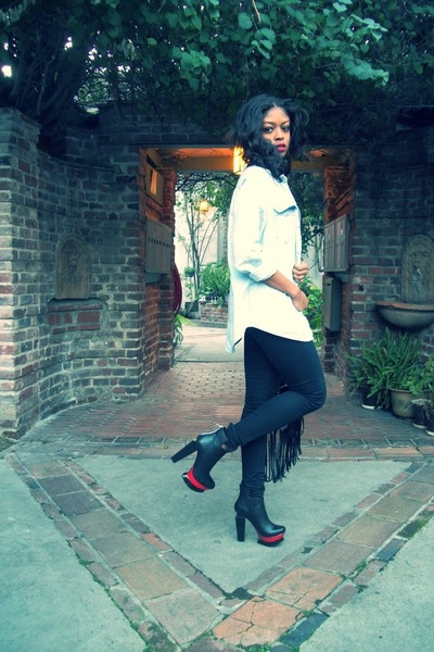 black Dolce Vita boots - black H&M jeans - light blue H&M shirt
