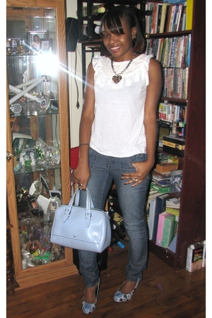 white boots - blue zana di jeans - blue Tommy Hilfiger purse - blue shoes