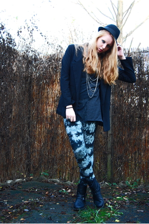 black simple H&M hat - black studded Din Sko boots - gray tie dye Monki leggings