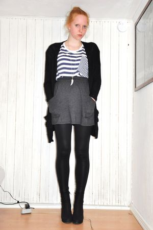 black GINA TRICOT cardigan - blue Monki t-shirt - silver H&M necklace - gray Ame