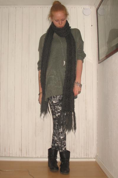 Gina tricot and latex leggings