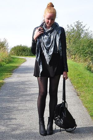 black H&M jacket - gray Trend Accessories scarf - black H&M dress - black Second