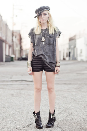 black tba boots - heather gray romwe shirt - black 2020AVE shorts