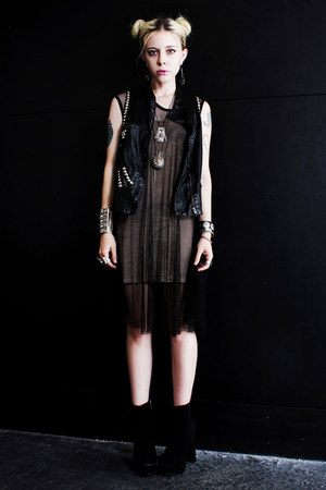 black OASAP boots - black net romwe dress - black DIY vest
